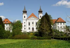 Schlehdorf is a municipality in the district of Bad Tölz